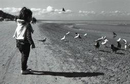 dziecko potrzebujące terapii psychologicznej